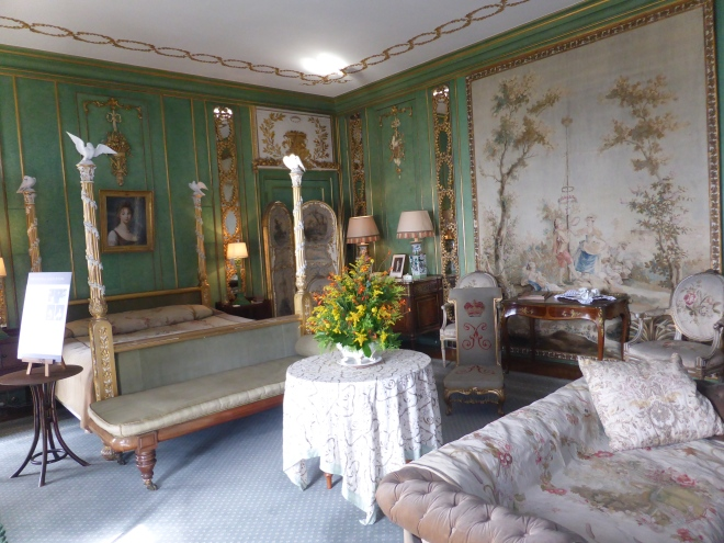 Green and Gold room